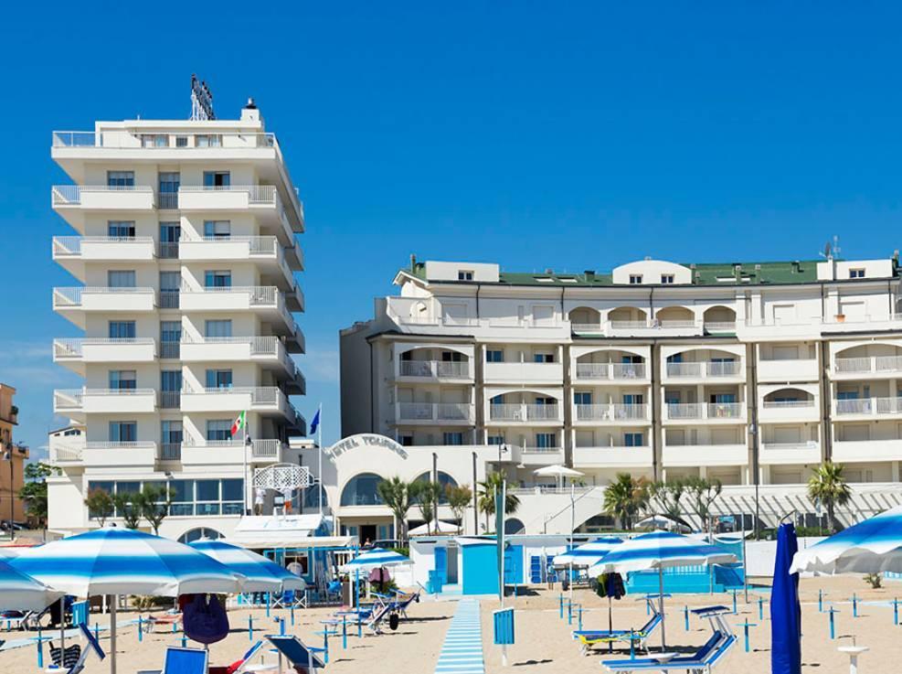 Soggiorno mare Yes Hotel Touring 4 stelle a Miramare di Rimini